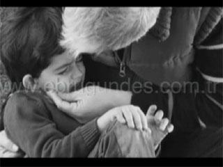 Ebru Gündeş ağlamayacağım video klibi izle dinle