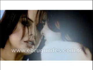 Ebru Gündeş Beyaz video klibi izle şarkı dinle