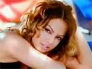 Ebru Gündeş kime ne video klibi ve şarkı sözleri