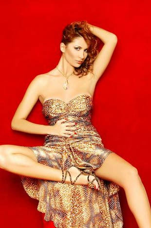 Manken Şarkıcı Nilay Dorsanın Fotoğrafları